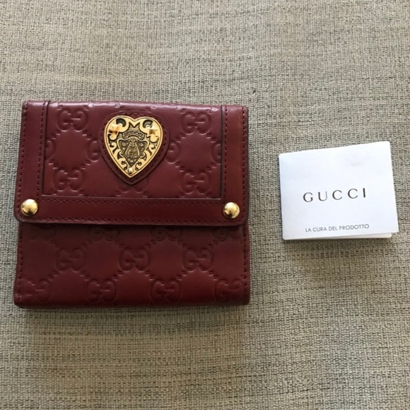 Gucci Handbags - Gucci Wallet